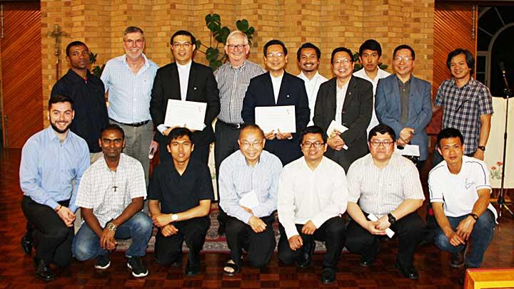Hai anh em SDB Việt nam tốt nghiệp khóa Linh hướng tại Úc Châu
