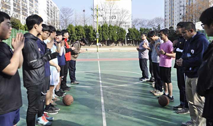 Các thầy Hậu Tập viện thuộc tỉnh dòng Hàn Quốc và tỉnh dòng Nhật Bản gặp gỡ giao lưu