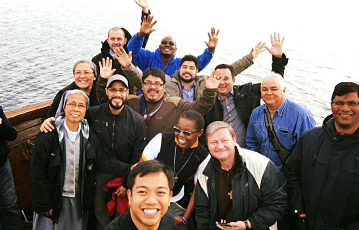 Các nhà truyền giáo Salêdiêng chia sẻ hành trình ơn gọi theo Chúa Giêsu