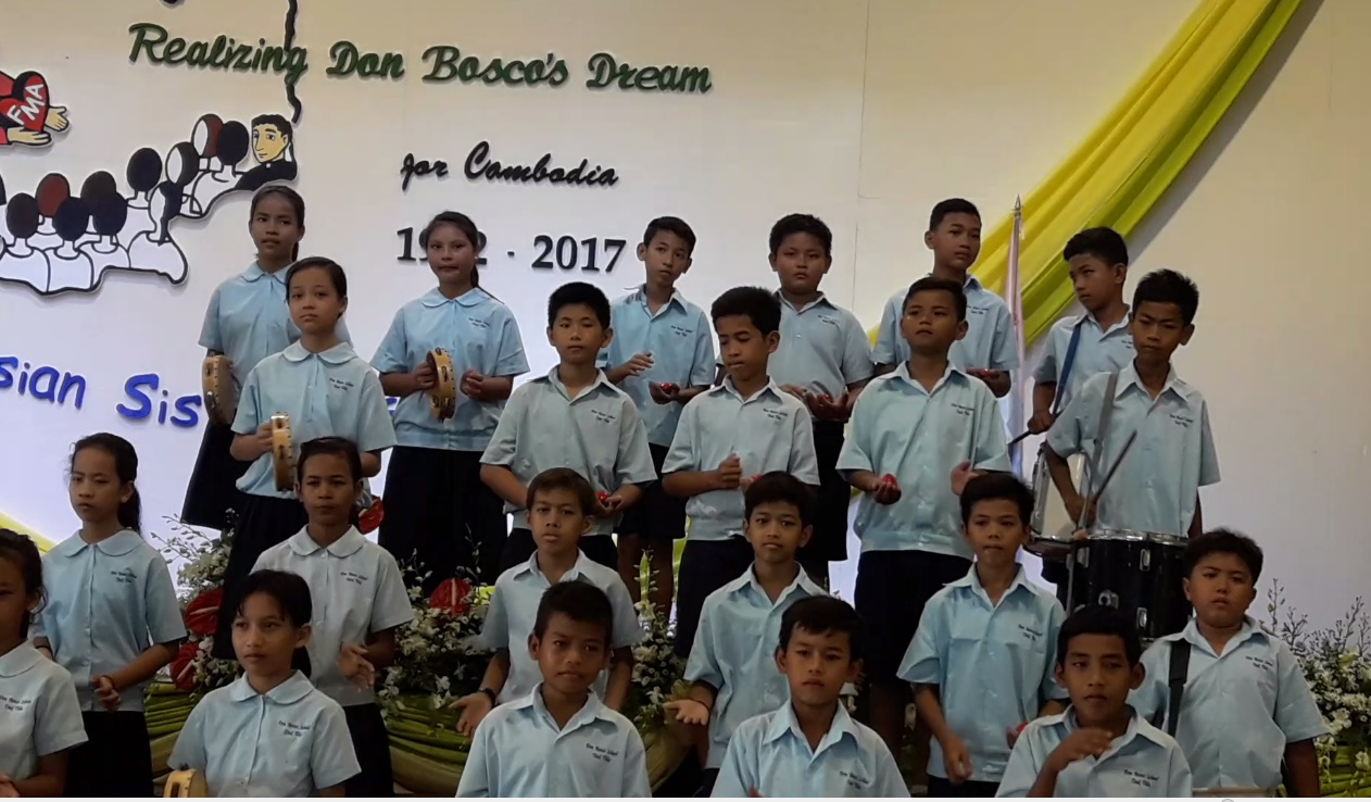 Children during 25th anniversary of the FMA in Cambodia.jpg
